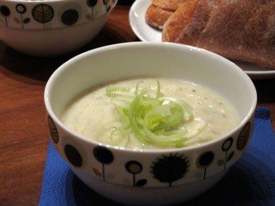 Blomkålssoppa med purjo och timjan