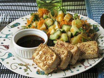 sesampanerad tofu med koriander sallad